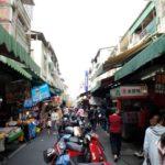 【 台湾 屋台 探検 】高雄の三民市場で朝市を満喫してみよう!