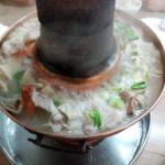 【高雄 火鍋 レストラン】塩埕区の歴史ある酸菜白肉鍋「京華餐廳」